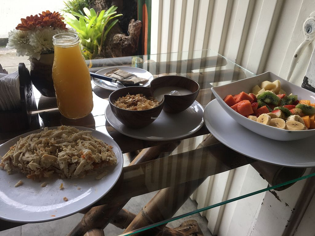 "Photo of El Punto Veggie  by <a href=""/members/profile/AxelArwak"">AxelArwak</a> <br/>Breakfast dulce + arepa tofu <br/> May 14, 2018  - <a href='/contact/abuse/image/52530/399722'>Report</a>"