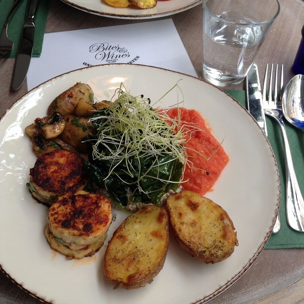 """Photo of Bites and Wines  by <a href=""""/members/profile/WendyVB"""">WendyVB</a> <br/>Mushrooms, grains & spinach, baked potatoes and I can't remember the other thing. It has been too long ago :-) <br/> April 19, 2017  - <a href='/contact/abuse/image/52562/250022'>Report</a>"""