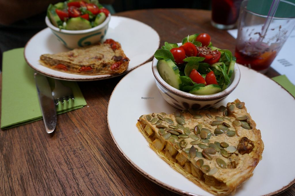 """Photo of Bites and Wines  by <a href=""""/members/profile/Ricardo"""">Ricardo</a> <br/>Quiche + salad <br/> October 1, 2017  - <a href='/contact/abuse/image/52562/310514'>Report</a>"""
