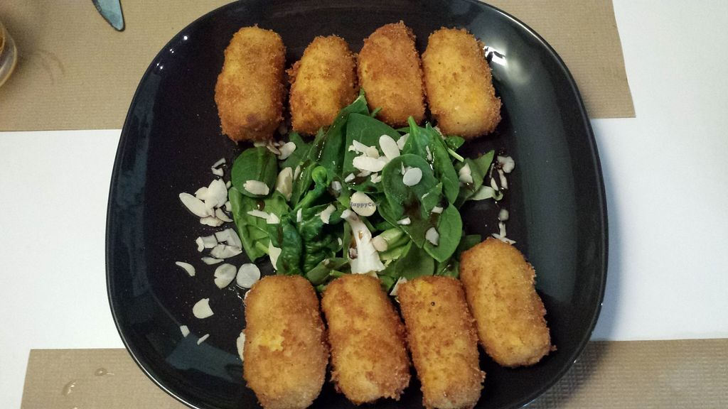 """Photo of Brotes Verdes  by <a href=""""/members/profile/NievesR"""">NievesR</a> <br/>Croquettes <br/> May 17, 2016  - <a href='/contact/abuse/image/52695/149488'>Report</a>"""