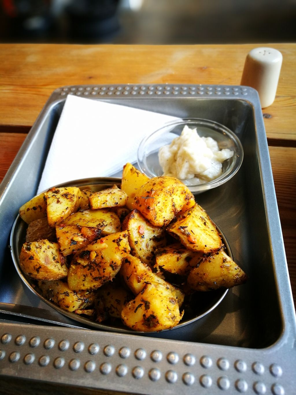 """Photo of Chwast Food  by <a href=""""/members/profile/k-girl80"""">k-girl80</a> <br/>That garlic mayo!!!!! so good...  <br/> October 12, 2017  - <a href='/contact/abuse/image/52782/314483'>Report</a>"""