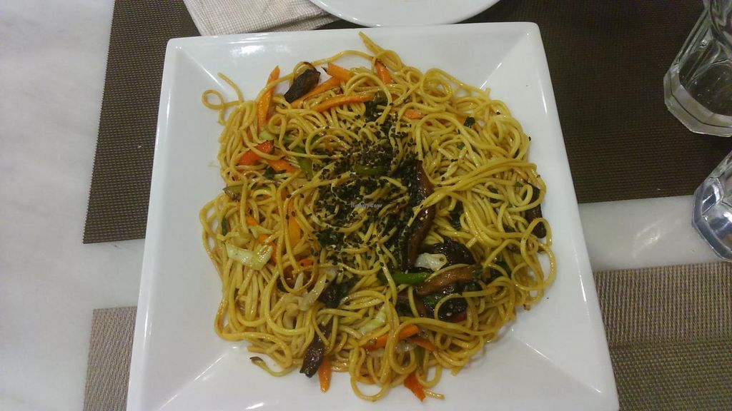 "Photo of Vantana  by <a href=""/members/profile/AdrNda"">AdrNda</a> <br/>Noodles with vegetables and shitake mushrooms <br/> June 4, 2015  - <a href='/contact/abuse/image/52809/104797'>Report</a>"