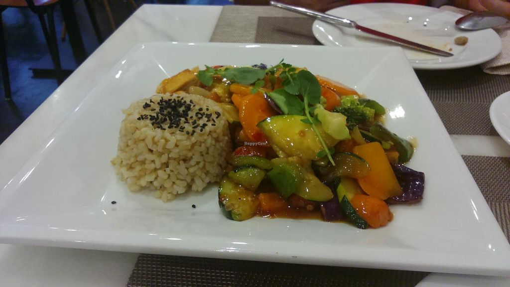 "Photo of Vantana  by <a href=""/members/profile/AdrNda"">AdrNda</a> <br/>Rice with tofu and vegetables <br/> June 4, 2015  - <a href='/contact/abuse/image/52809/104799'>Report</a>"