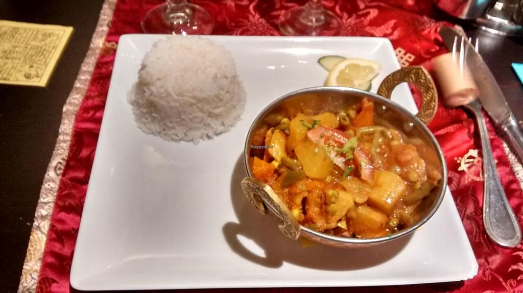 "Photo of Le Yeti  by <a href=""/members/profile/JonJon"">JonJon</a> <br/>Curry, vegetables and rice <br/> May 3, 2015  - <a href='/contact/abuse/image/52834/101024'>Report</a>"