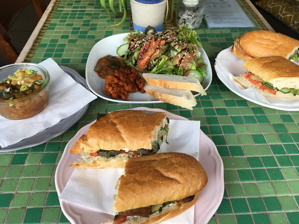 """Photo of Limu Cafe and Bistro  by <a href=""""/members/profile/EtaCarinae"""">EtaCarinae</a> <br/>limu  <br/> April 17, 2017  - <a href='/contact/abuse/image/52952/249322'>Report</a>"""