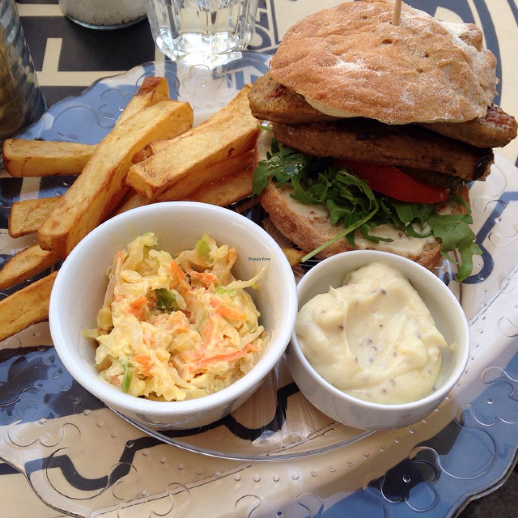 "Photo of Refresh Restaurant - Re Fresh  by <a href=""/members/profile/kristinarollo"">kristinarollo</a> <br/>robi burger, potatoes, veg mayo and coleslaw <br/> June 20, 2016  - <a href='/contact/abuse/image/53012/155073'>Report</a>"