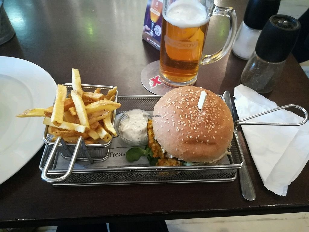 "Photo of Refresh Restaurant - Re Fresh  by <a href=""/members/profile/tesspereira"">tesspereira</a> <br/>vegan burger of the month (carrot and bulger wheat patty, with veggies and baba ganoush)  <br/> March 18, 2018  - <a href='/contact/abuse/image/53012/372486'>Report</a>"