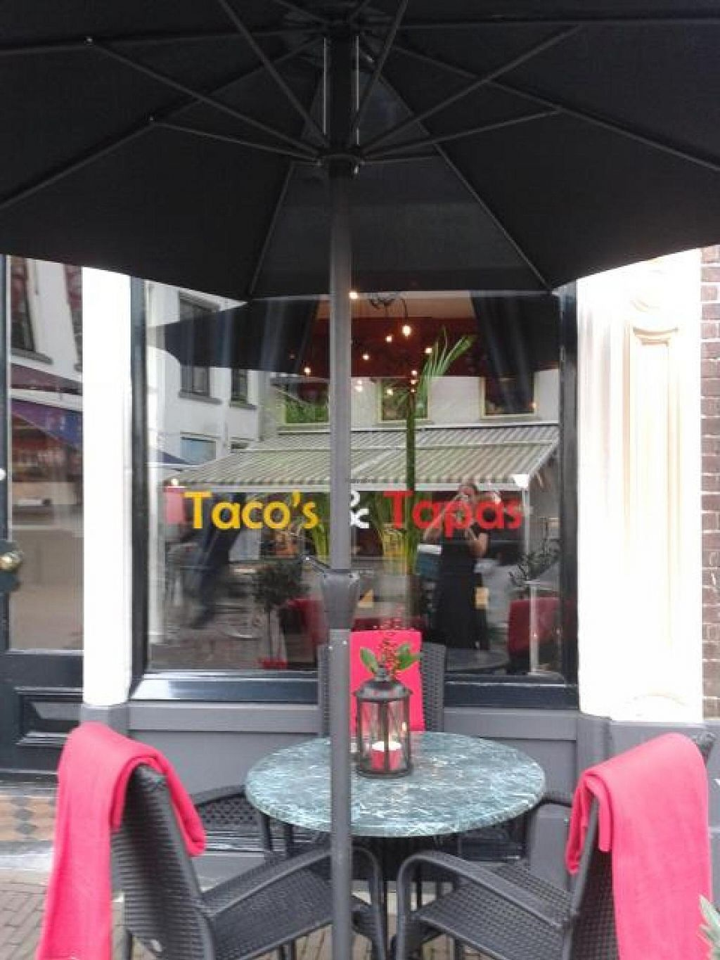 "Photo of Tacos en Tapas  by <a href=""/members/profile/samsammetje"">samsammetje</a> <br/>Welcome! We are open tuesday till sunday. Our kitchen is open on tuesday, wednesday and sunday from 5 pm and thursday, Friday and saturday from 12 pm <br/> November 29, 2014  - <a href='/contact/abuse/image/53032/86709'>Report</a>"