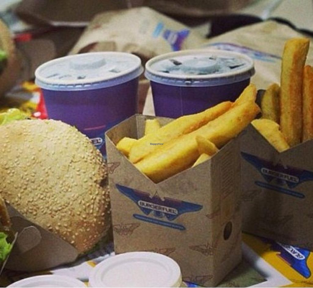 """Photo of BurgerFuel - Sowah Square  by <a href=""""/members/profile/community"""">community</a> <br/>Burger Fuel <br/> November 14, 2014  - <a href='/contact/abuse/image/53080/85586'>Report</a>"""