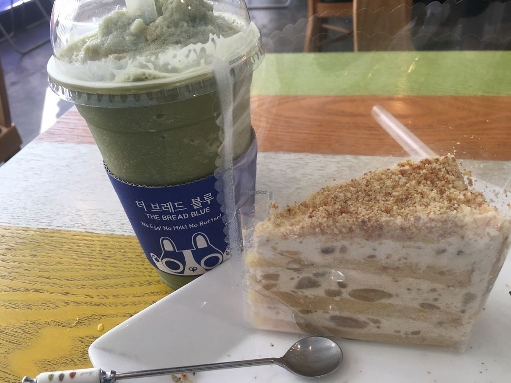 "Photo of The Bread Blue - Nogosan - 더브레드블루 신촌점  by <a href=""/members/profile/KyleMacyHall"">KyleMacyHall</a> <br/>Green tea frappucino with sweet potato cake! <br/> August 20, 2016  - <a href='/contact/abuse/image/53248/170329'>Report</a>"