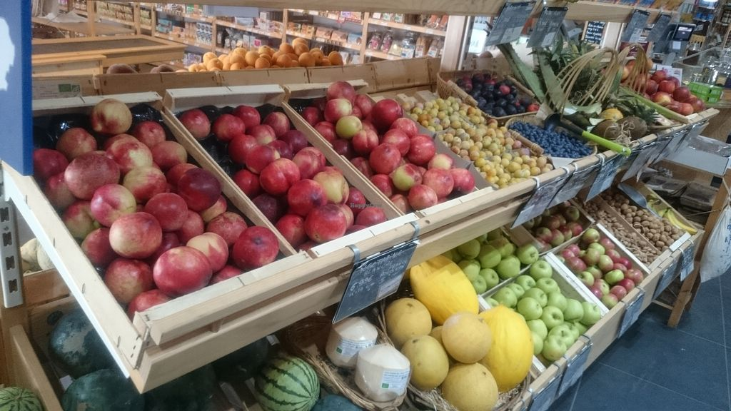 """Photo of Biocoop L'Onde Bio  by <a href=""""/members/profile/chb-pbfp"""" class=""""title__title"""">chb-pbfp</a> <br/>Fruits & vegetables <br/> August 4, 2018  - <a href='/contact/abuse/image/53399/443165'>Report</a>"""