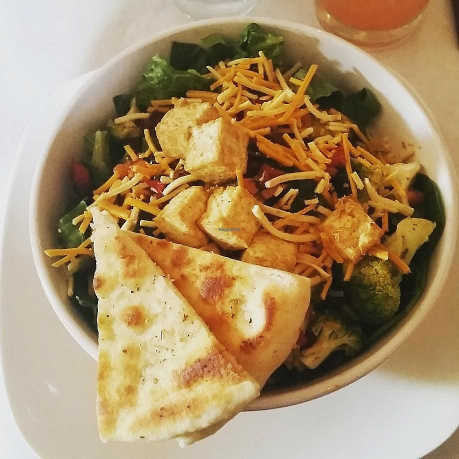 """Photo of Red Hook Grill  by <a href=""""/members/profile/CorissaMarie"""">CorissaMarie</a> <br/>Vegan salad <br/> August 11, 2017  - <a href='/contact/abuse/image/53455/291610'>Report</a>"""
