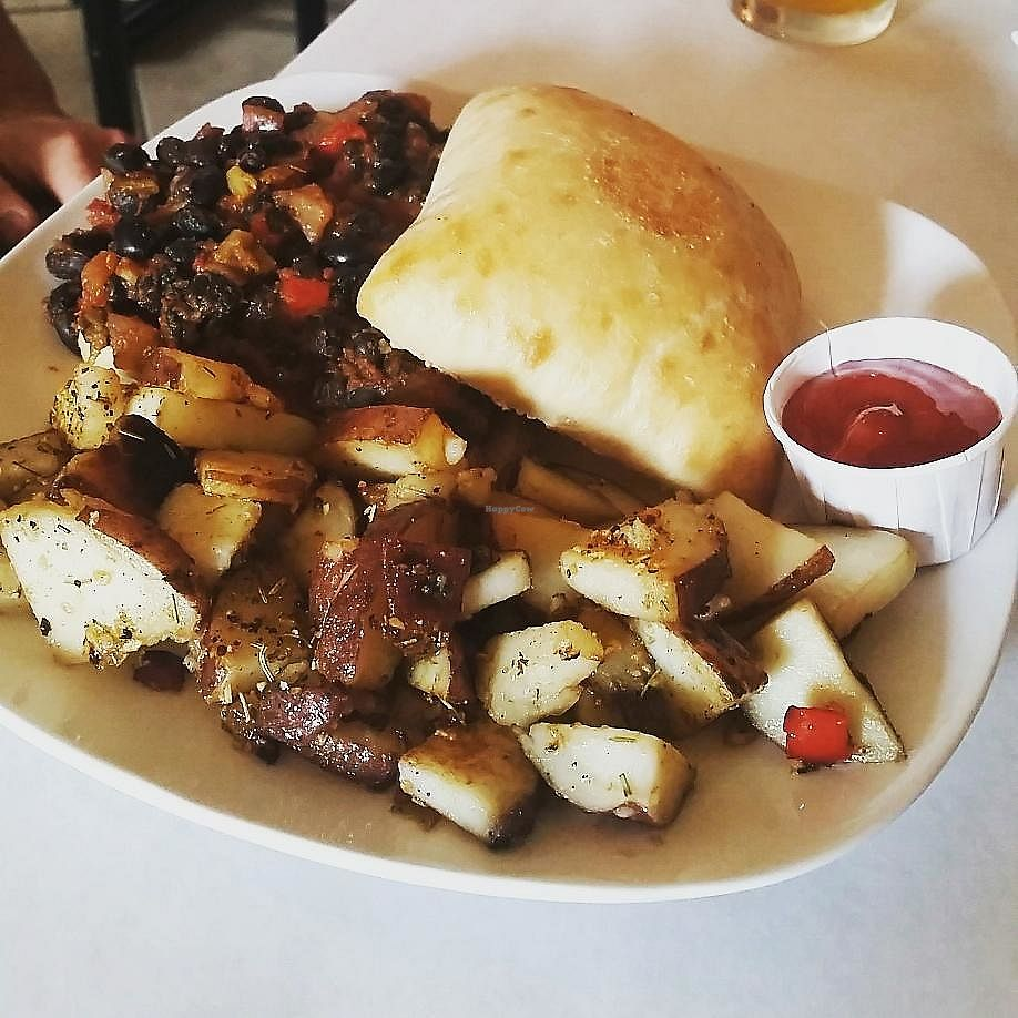 """Photo of Red Hook Grill  by <a href=""""/members/profile/CorissaMarie"""">CorissaMarie</a> <br/>Vegan sloppy joe <br/> August 11, 2017  - <a href='/contact/abuse/image/53455/291611'>Report</a>"""