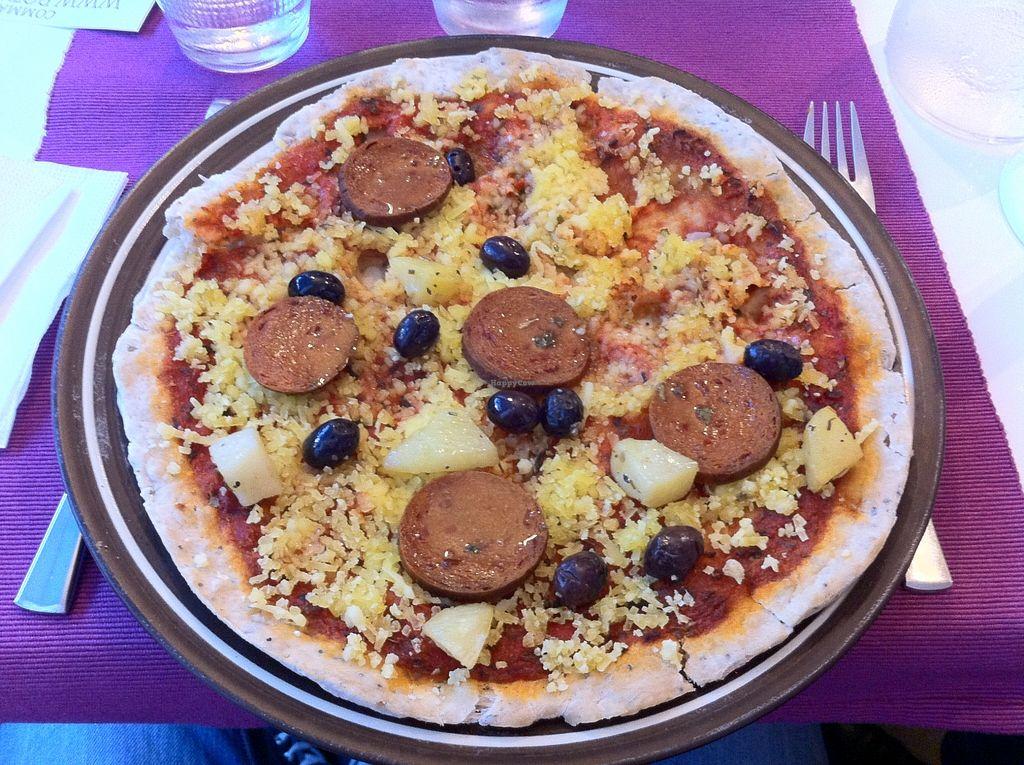 """Photo of Les Delices De Gigi  by <a href=""""/members/profile/zippper4"""">zippper4</a> <br/>Vegan pizza, avec du chorizo, du fromage, des olives. (14€50) <br/> August 20, 2015  - <a href='/contact/abuse/image/53495/114450'>Report</a>"""