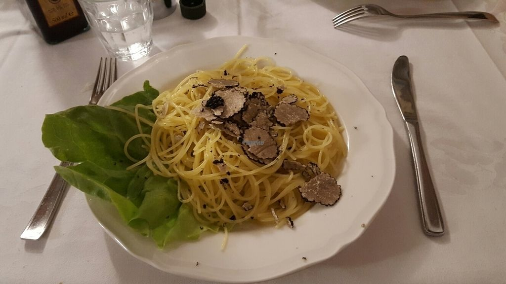 """Photo of Trattoria Enzo e Piero  by <a href=""""/members/profile/Zhenli"""">Zhenli</a> <br/>spaghetti with truffles <br/> September 3, 2016  - <a href='/contact/abuse/image/53571/173247'>Report</a>"""