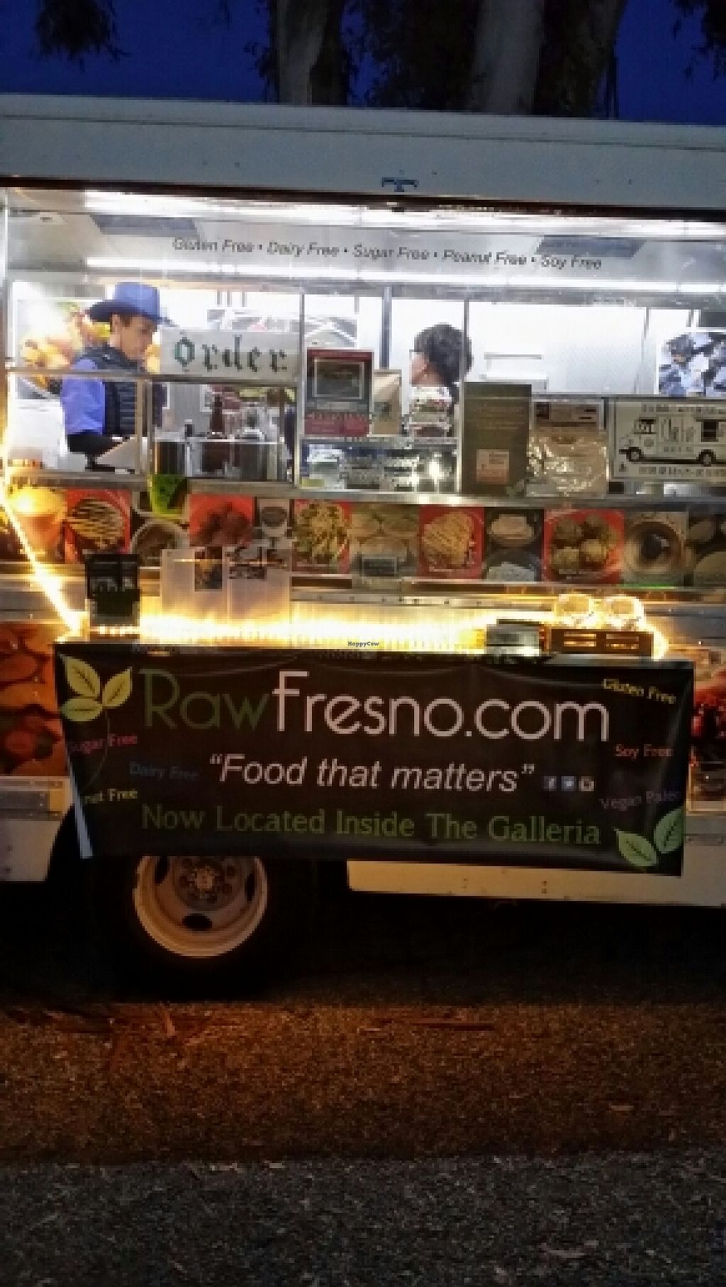 "Photo of Raw Fresno  by <a href=""/members/profile/catbone"">catbone</a> <br/>Truck Storefront <br/> February 20, 2016  - <a href='/contact/abuse/image/53709/137092'>Report</a>"