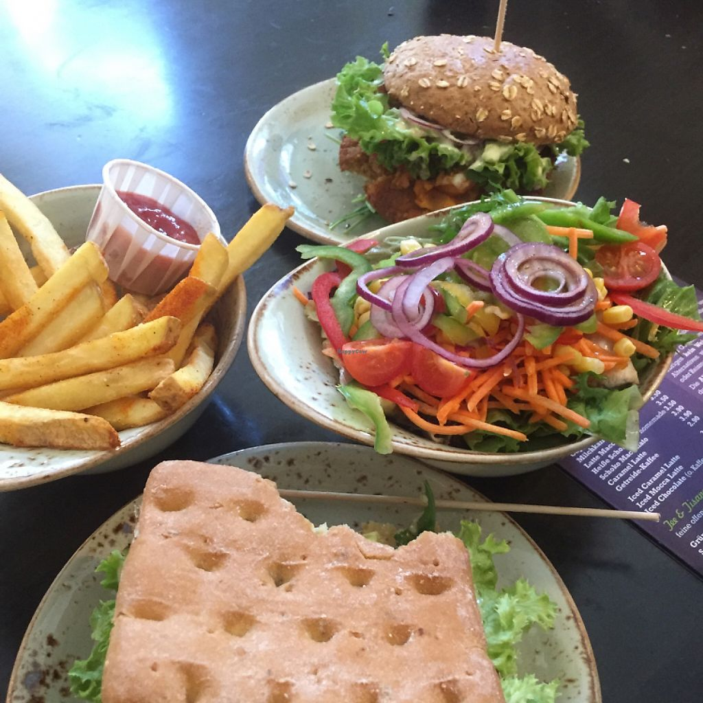"""Photo of My Heart Beats Vegan  by <a href=""""/members/profile/vegannomad2"""">vegannomad2</a> <br/> urgera salad and fries. all good <br/> May 28, 2017  - <a href='/contact/abuse/image/53725/263415'>Report</a>"""