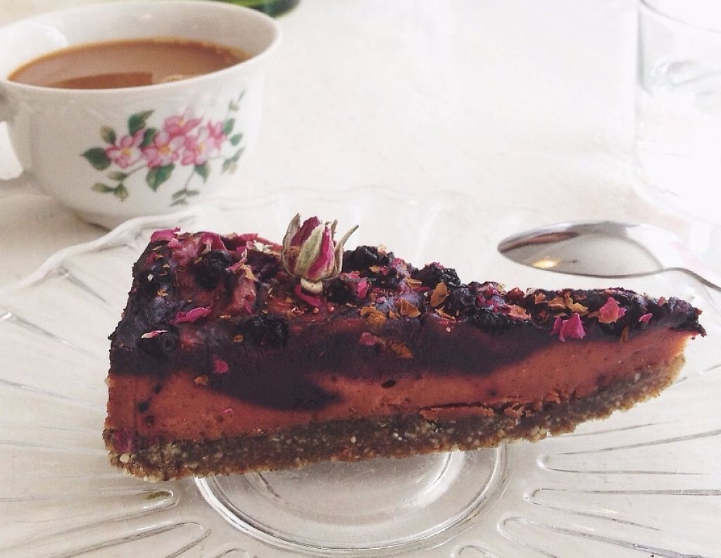 """Photo of STHLM Raw  by <a href=""""/members/profile/treemelody"""">treemelody</a> <br/>Blueberry/Rosehip/Rose raw cake. Very tasty! <br/> July 9, 2016  - <a href='/contact/abuse/image/53748/246455'>Report</a>"""
