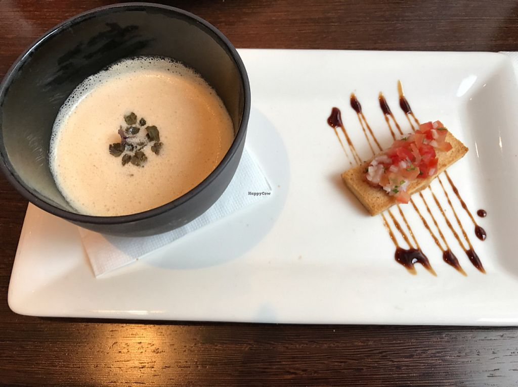 Photo of CLOSED: Amano Verde  by Malau <br/>Zitronengras-Kokossuppe mit Tomaten-Koriandercrostini <br/> May 21, 2017  - <a href='/contact/abuse/image/53753/260882'>Report</a>