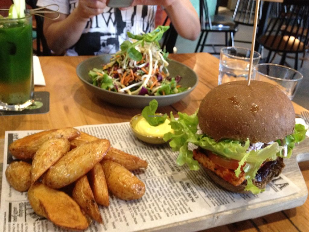 "Photo of Vege Rama - West End  by <a href=""/members/profile/Fingercuts"">Fingercuts</a> <br/>burger and Thai salad <br/> March 28, 2016  - <a href='/contact/abuse/image/53850/141590'>Report</a>"