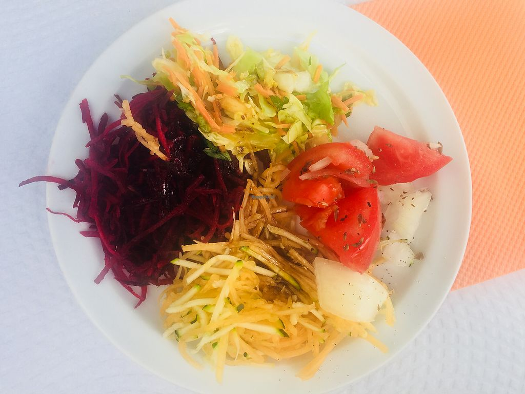 """Photo of Gengibre E Canela  by <a href=""""/members/profile/veg_x"""">veg_x</a> <br/>Variety of salads <br/> October 10, 2017  - <a href='/contact/abuse/image/5397/313970'>Report</a>"""