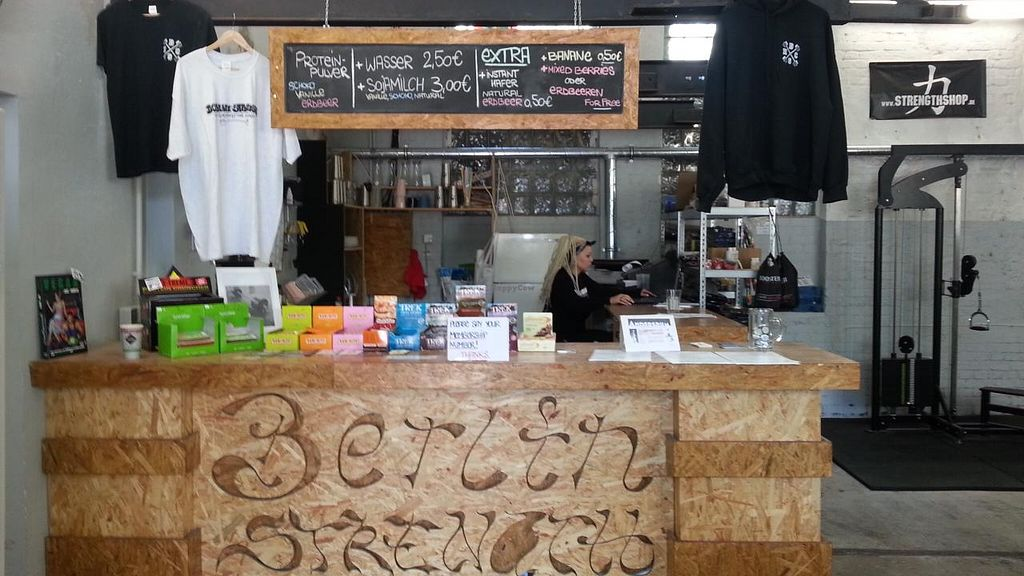 """Photo of Berlin Strength  by <a href=""""/members/profile/eric"""">eric</a> <br/>smoothie bar <br/> May 15, 2015  - <a href='/contact/abuse/image/53998/102288'>Report</a>"""