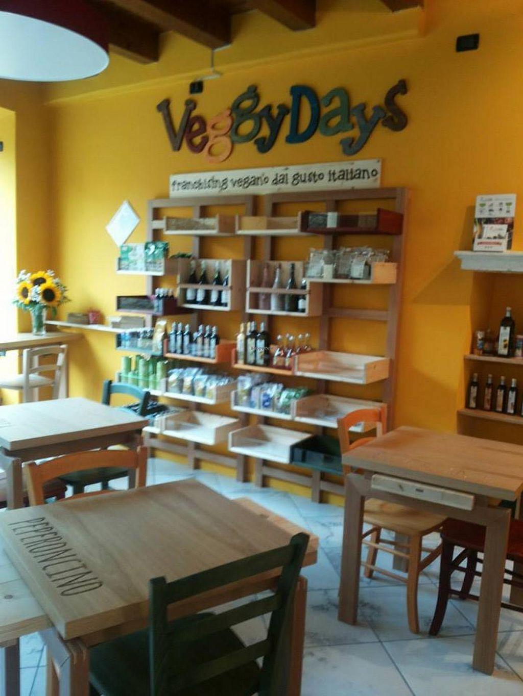 "Photo of CLOSED: Veggy Days Desenzano  by <a href=""/members/profile/veg-geko"">veg-geko</a> <br/>Veggy Days Desenzano del Garda <br/> December 27, 2014  - <a href='/contact/abuse/image/54084/88806'>Report</a>"