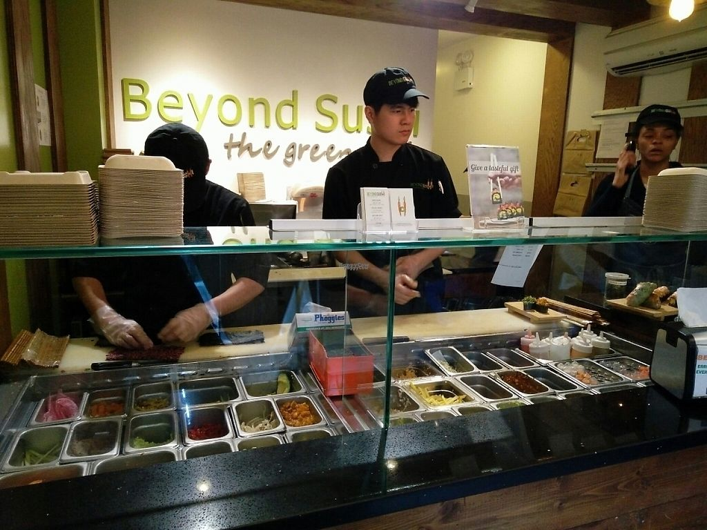 """Photo of Beyond Sushi - Midtown West  by <a href=""""/members/profile/martinicontomate"""">martinicontomate</a> <br/>how the sushi is done <br/> April 22, 2017  - <a href='/contact/abuse/image/54327/251097'>Report</a>"""