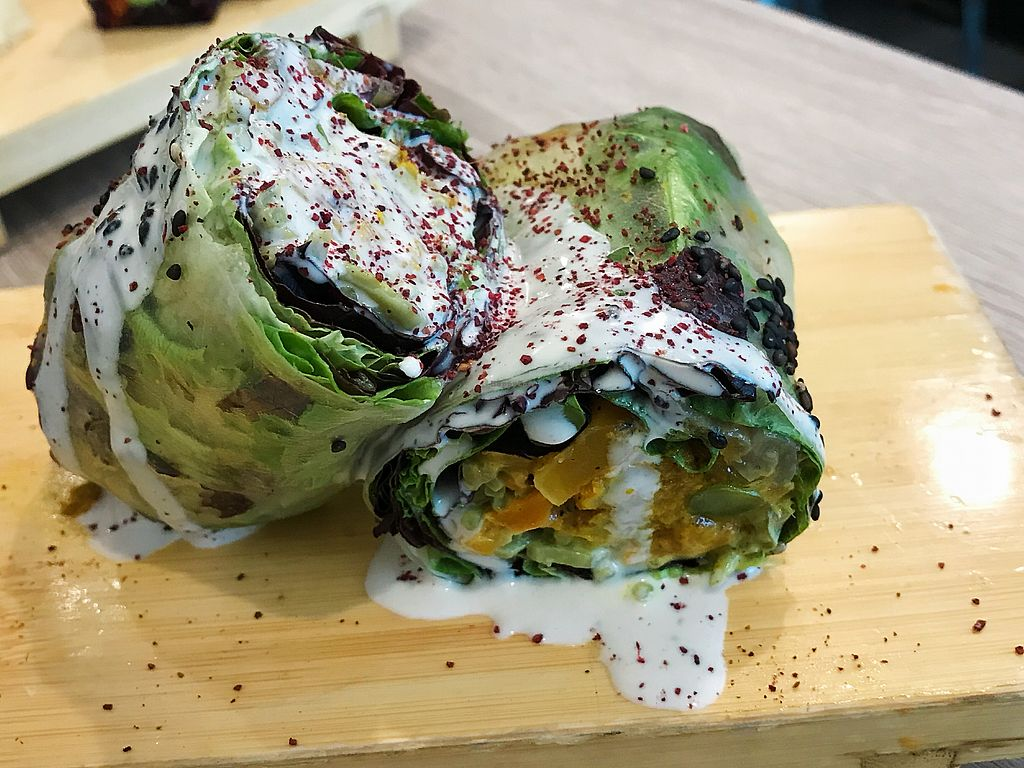 """Photo of Beyond Sushi - Midtown West  by <a href=""""/members/profile/Dimanta"""">Dimanta</a> <br/>Curry Flower (3/5) <br/> March 16, 2018  - <a href='/contact/abuse/image/54327/371550'>Report</a>"""
