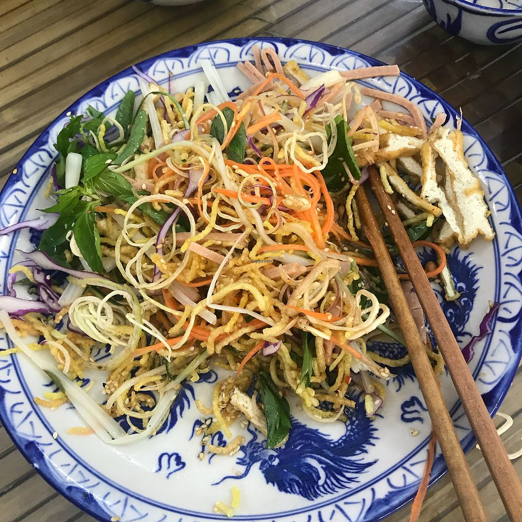 """Photo of Lien Hoa  by <a href=""""/members/profile/T-Bone"""">T-Bone</a> <br/>A ridiculously good salad <br/> January 15, 2018  - <a href='/contact/abuse/image/54382/346870'>Report</a>"""