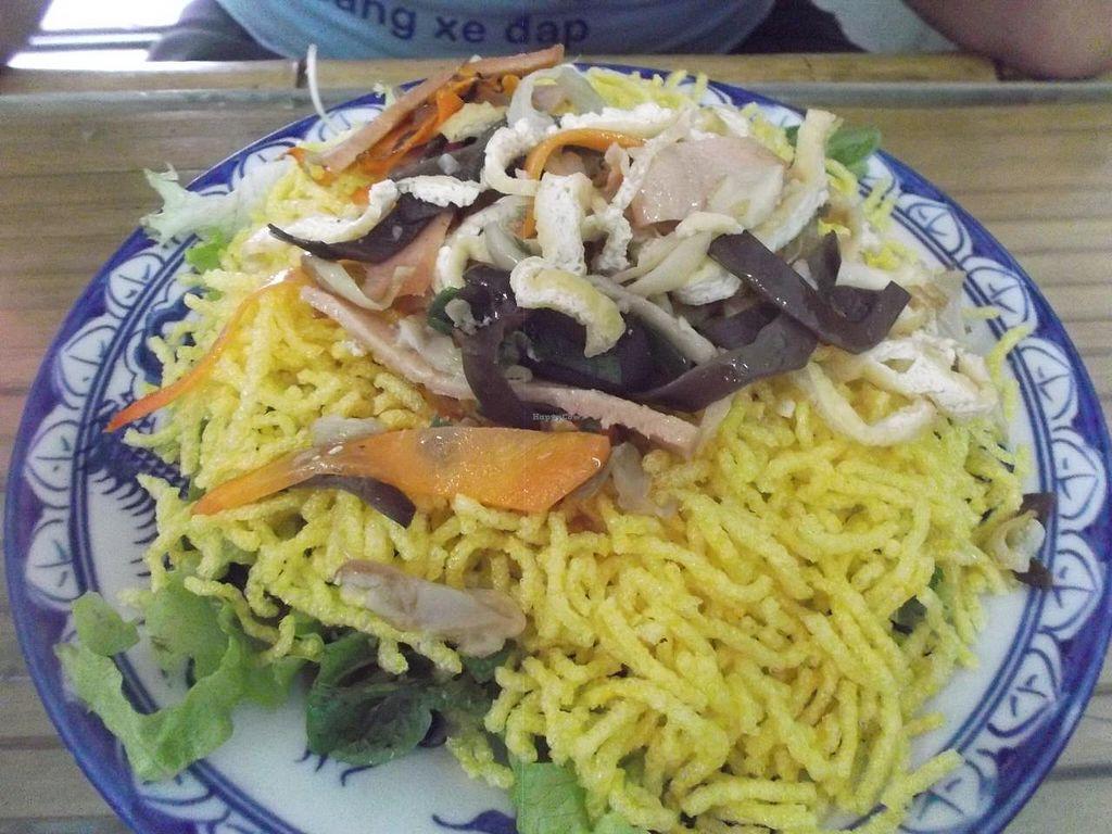 "Photo of Lien Hoa  by <a href=""/members/profile/mfalgas"">mfalgas</a> <br/>Crispy noodles <br/> January 4, 2015  - <a href='/contact/abuse/image/54382/89512'>Report</a>"