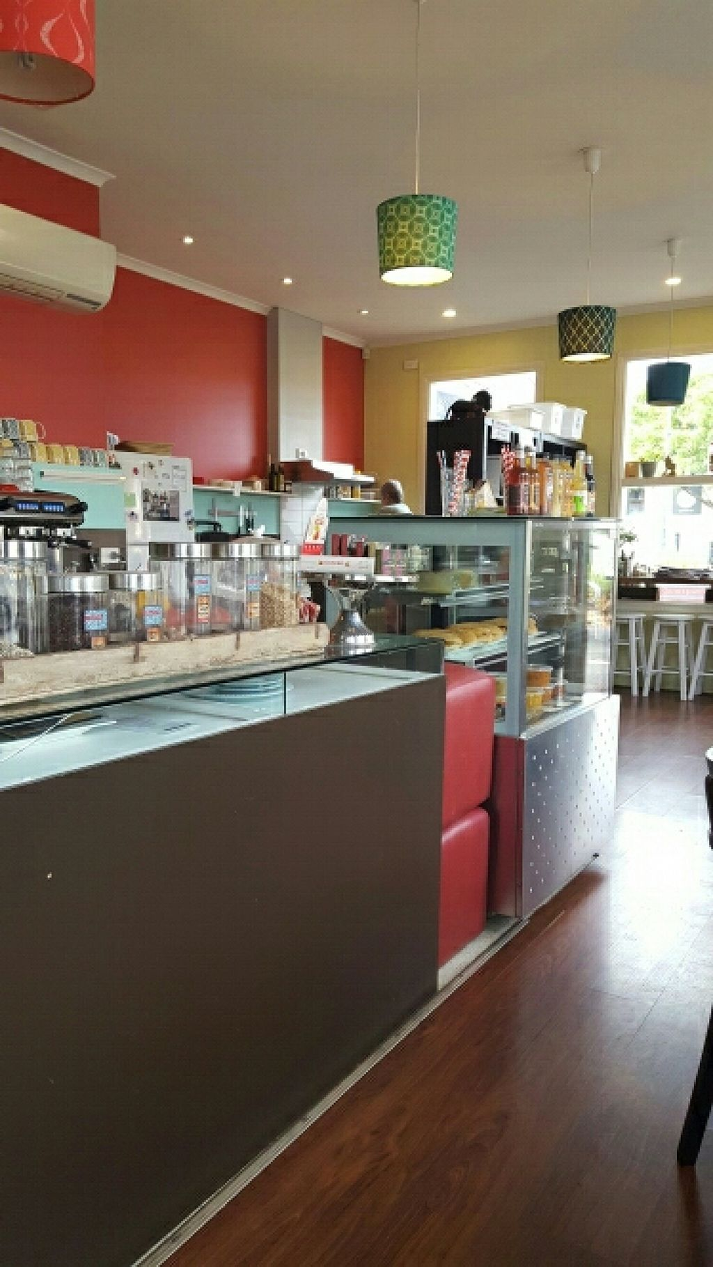 """Photo of CLOSED: Pomegranate  by <a href=""""/members/profile/jodiveganfit"""">jodiveganfit</a> <br/>Lovely decor <br/> June 6, 2016  - <a href='/contact/abuse/image/54464/152468'>Report</a>"""