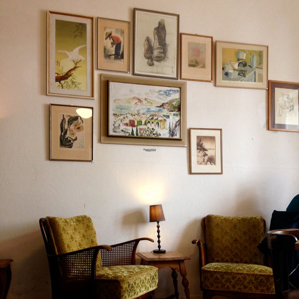 """Photo of Valladares  by <a href=""""/members/profile/icalvor"""">icalvor</a> <br/>Cozy dinning room <br/> April 21, 2017  - <a href='/contact/abuse/image/54507/250723'>Report</a>"""