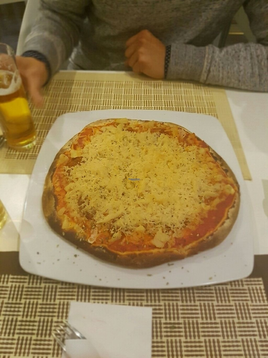 """Photo of El Oju  by <a href=""""/members/profile/LuisEcijaGamez"""">LuisEcijaGamez</a> <br/>pizza diavola <br/> January 2, 2017  - <a href='/contact/abuse/image/54557/207307'>Report</a>"""