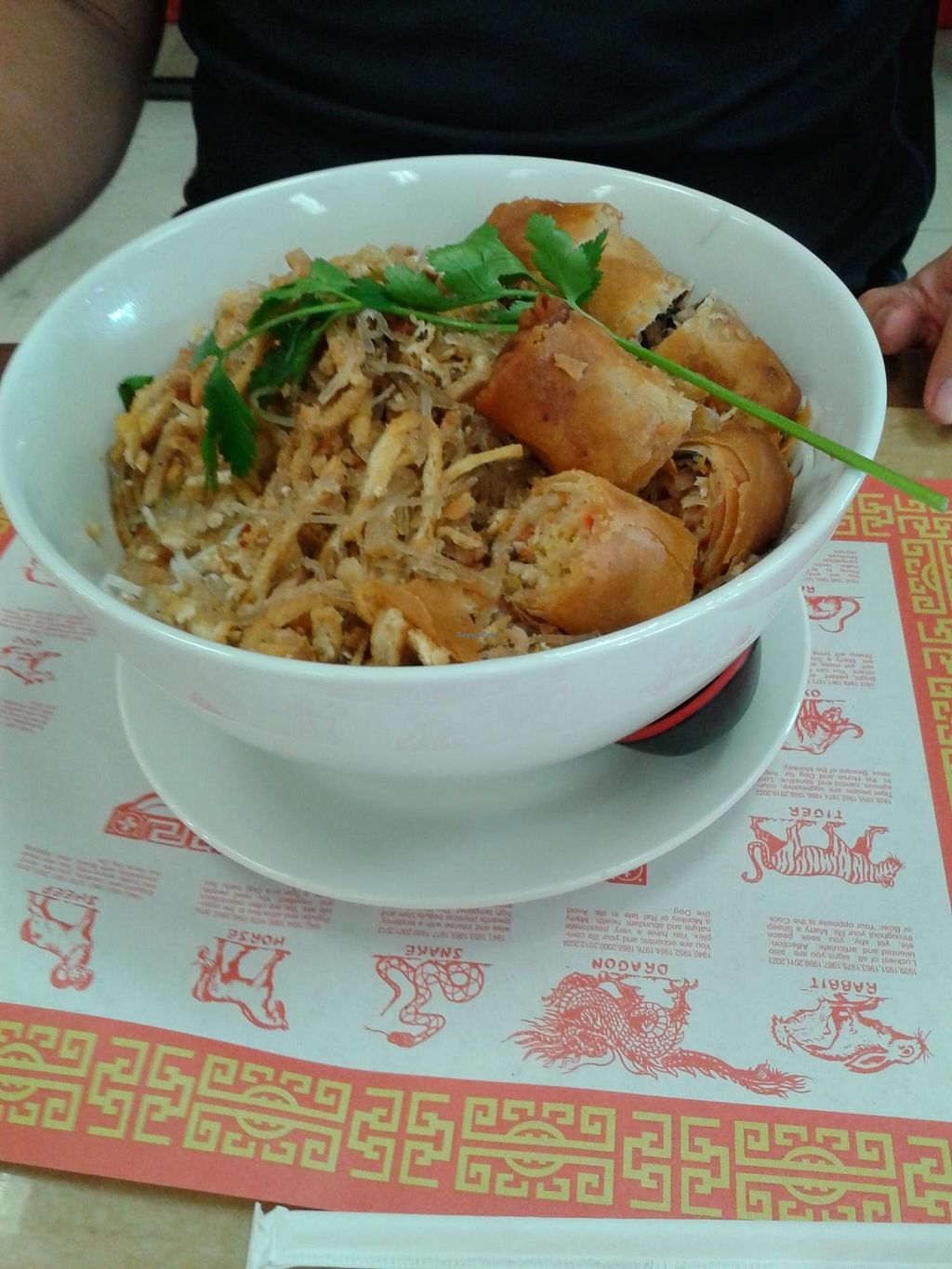 "Photo of Bo De  by <a href=""/members/profile/chobesoy"">chobesoy</a> <br/>meat and spring roll vermecelli <br/> April 11, 2014  - <a href='/contact/abuse/image/5456/67450'>Report</a>"