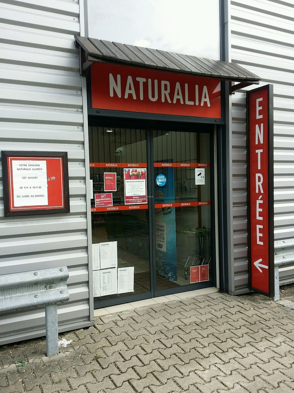 """Photo of Naturalia  by <a href=""""/members/profile/AdrienZ"""">AdrienZ</a> <br/>entrée  <br/> January 2, 2018  - <a href='/contact/abuse/image/54603/342109'>Report</a>"""