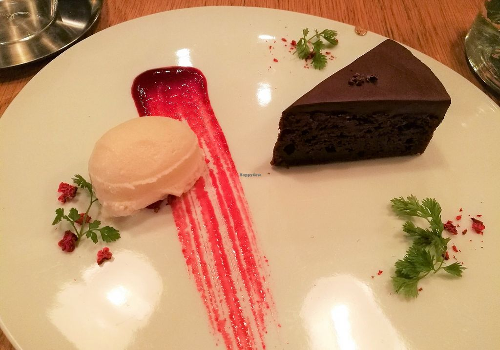 """Photo of 8ablish Cafe  by <a href=""""/members/profile/Vegan%20Yoko"""">Vegan Yoko</a> <br/>The best Gateau Chocolat ever!!! <br/> June 26, 2017  - <a href='/contact/abuse/image/54611/273535'>Report</a>"""