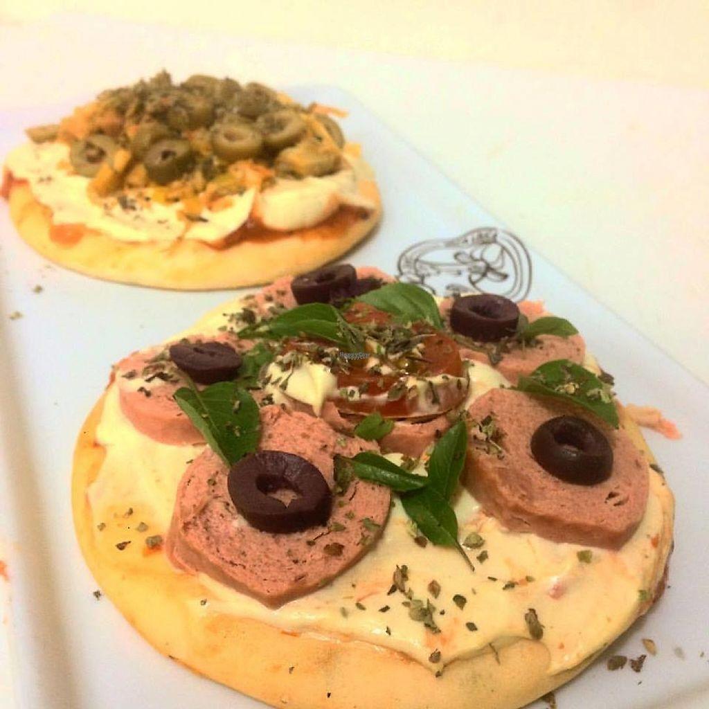 "Photo of Vaca Louca Cafe  by <a href=""/members/profile/Patr%C3%ADciaSpadari"">PatríciaSpadari</a> <br/>pizza <br/> February 7, 2017  - <a href='/contact/abuse/image/54637/223979'>Report</a>"
