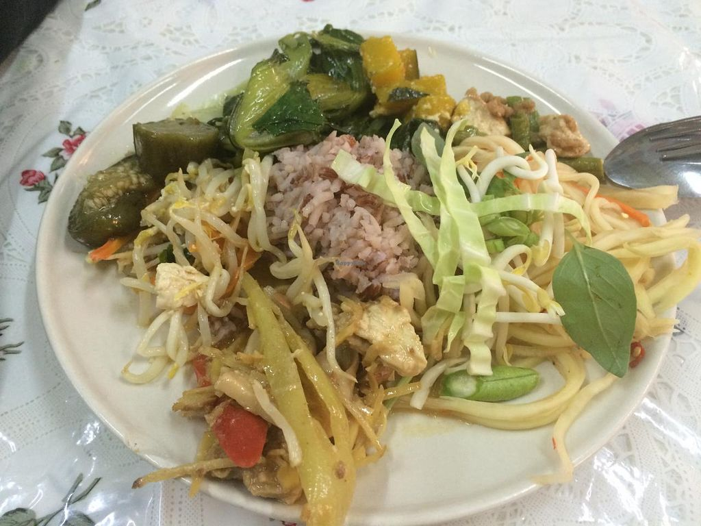 "Photo of Jay Vegetarian Restaurant  by <a href=""/members/profile/Plantpower"">Plantpower</a> <br/>Example for a selection of dishes - and you can go back for seconds! <br/> March 23, 2015  - <a href='/contact/abuse/image/54690/96607'>Report</a>"