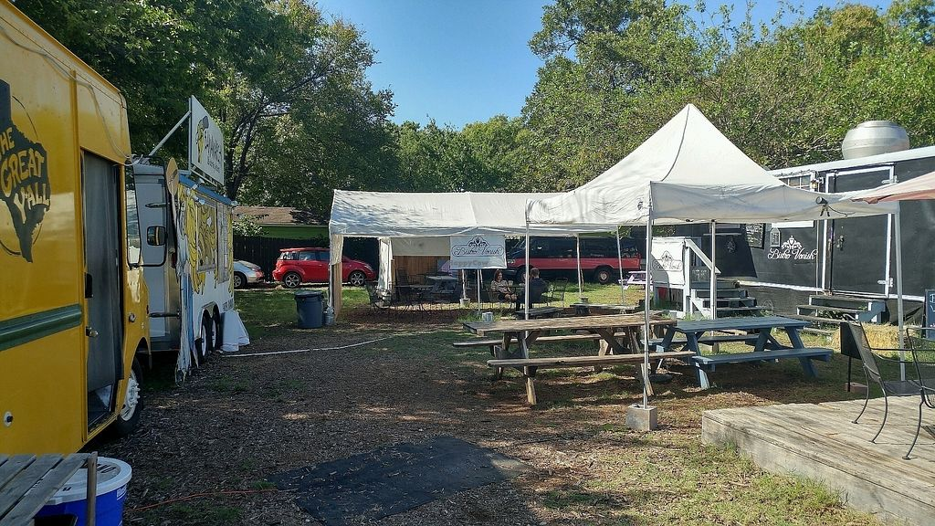 """Photo of Bistro Vonish Food Truck  by <a href=""""/members/profile/TreyLegall"""">TreyLegall</a> <br/>Food Truck Scene <br/> October 1, 2017  - <a href='/contact/abuse/image/54761/310665'>Report</a>"""