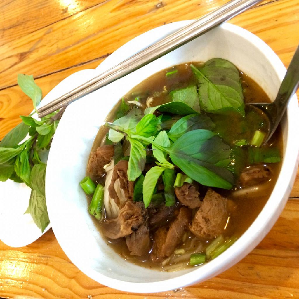 "Photo of Hayashi  by <a href=""/members/profile/Chnanis"">Chnanis</a> <br/>Noodles with brown soup  <br/> January 23, 2015  - <a href='/contact/abuse/image/54864/91108'>Report</a>"