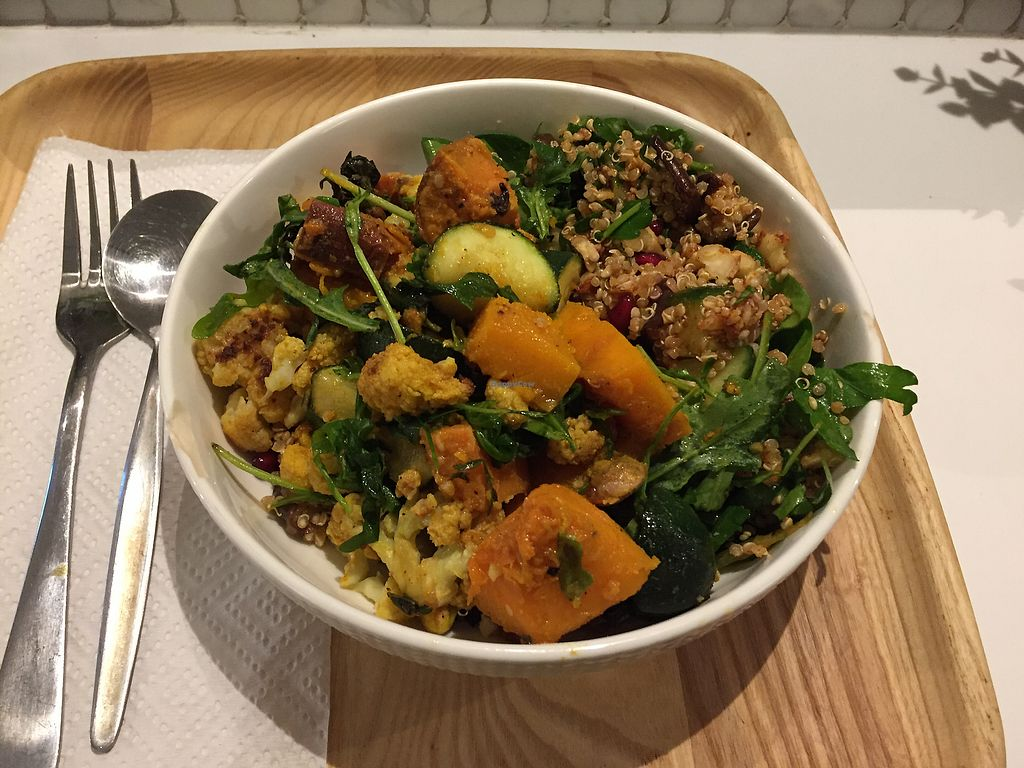 "Photo of Simple Seed Eatery  by <a href=""/members/profile/Wuji_Luiji"">Wuji_Luiji</a> <br/>Vegan salad bowl <br/> September 14, 2017  - <a href='/contact/abuse/image/55016/304117'>Report</a>"