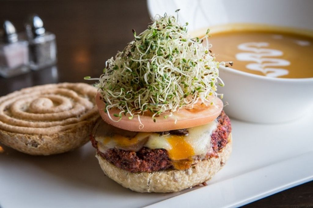 """Photo of Thrive Organic Kitchen  by <a href=""""/members/profile/Dontjustsurvive"""">Dontjustsurvive</a> <br/>House burger <br/> September 3, 2015  - <a href='/contact/abuse/image/55024/116324'>Report</a>"""