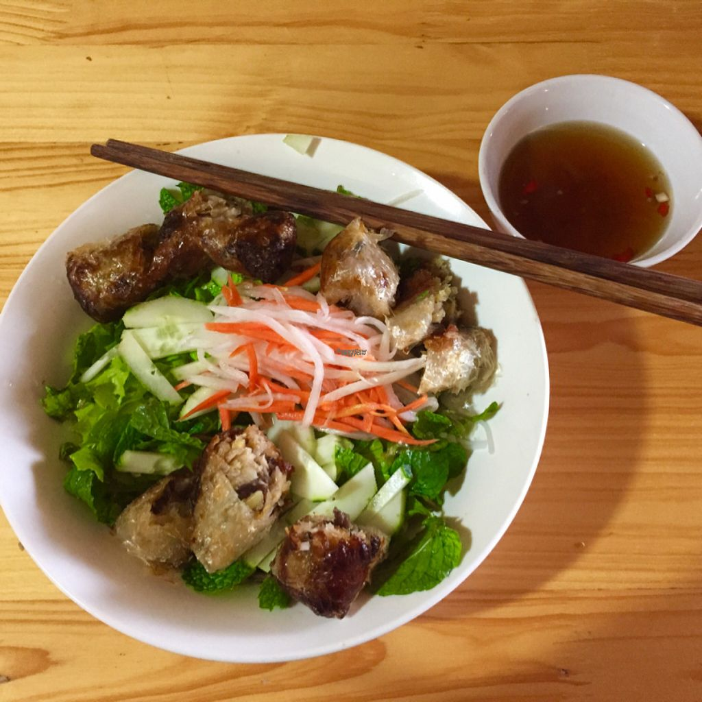 """Photo of Bo De Quan  by <a href=""""/members/profile/FabulousPaprika"""">FabulousPaprika</a> <br/>yummy nems in a nicely flavored noodle salad <br/> November 2, 2016  - <a href='/contact/abuse/image/55051/186160'>Report</a>"""