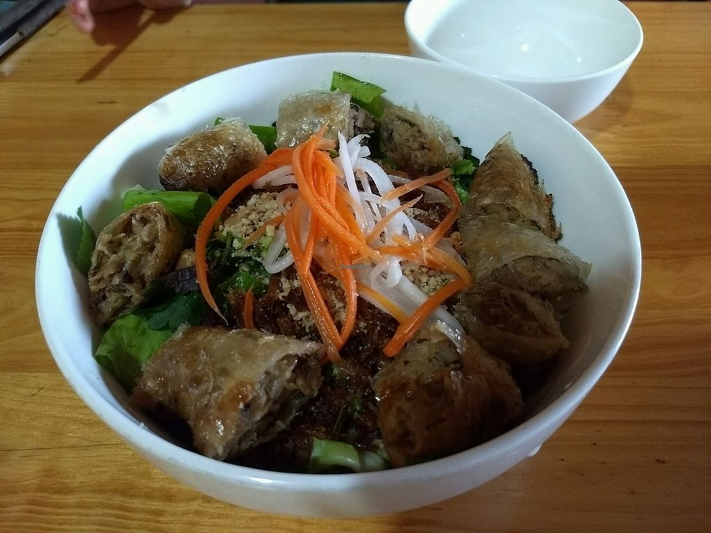 """Photo of Bo De Quan  by <a href=""""/members/profile/mugcake"""">mugcake</a> <br/>Spring roll and noodle dish  <br/> November 6, 2017  - <a href='/contact/abuse/image/55051/322443'>Report</a>"""