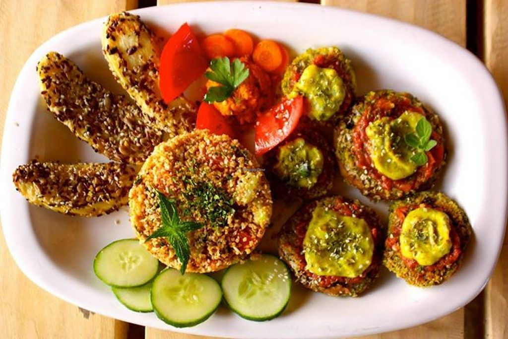 """Photo of Manen  by <a href=""""/members/profile/community"""">community</a> <br/>grilled veggies platter  <br/> February 6, 2015  - <a href='/contact/abuse/image/55141/287434'>Report</a>"""