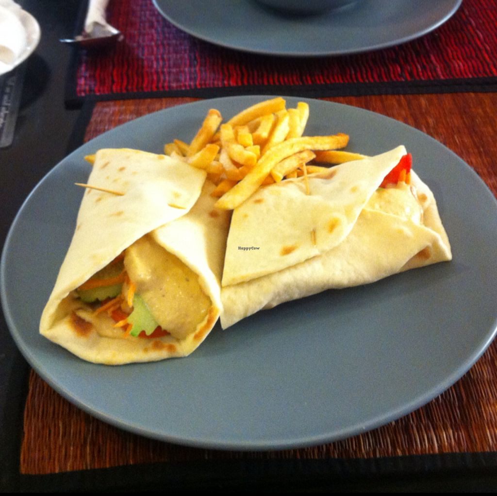 """Photo of Joe to Go  by <a href=""""/members/profile/Arvid"""">Arvid</a> <br/>Veggie delight in pita bread ($3.50) <br/> February 11, 2016  - <a href='/contact/abuse/image/55181/135845'>Report</a>"""