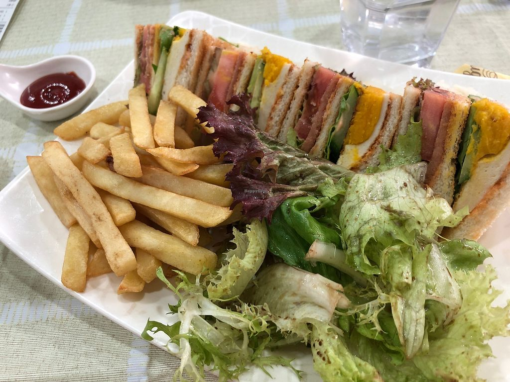 "Photo of Green Fresh Vegan Restaurant  by <a href=""/members/profile/SamanthaIngridHo"">SamanthaIngridHo</a> <br/>Club Sandwiches <br/> April 11, 2018  - <a href='/contact/abuse/image/55182/383921'>Report</a>"