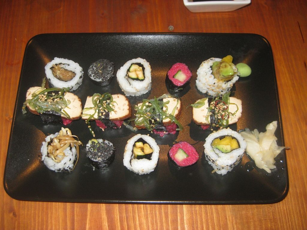 """Photo of CLOSED: Pirata  by <a href=""""/members/profile/jennyc32"""">jennyc32</a> <br/>Mixed sushi <br/> November 2, 2015  - <a href='/contact/abuse/image/55257/123538'>Report</a>"""