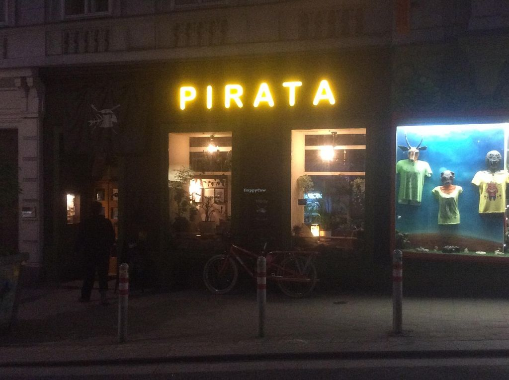 """Photo of CLOSED: Pirata  by <a href=""""/members/profile/jon%20active"""">jon active</a> <br/>Pirata at night <br/> April 25, 2016  - <a href='/contact/abuse/image/55257/146281'>Report</a>"""